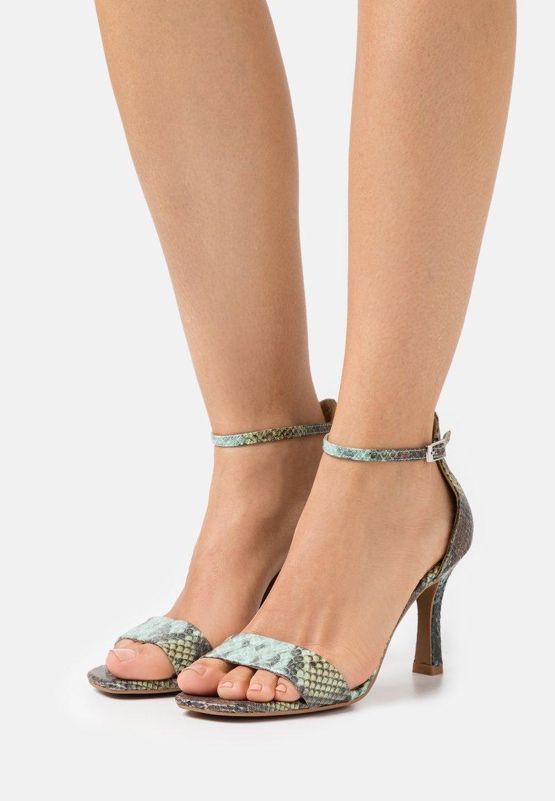 Alma en Pena - Sandals - aqua