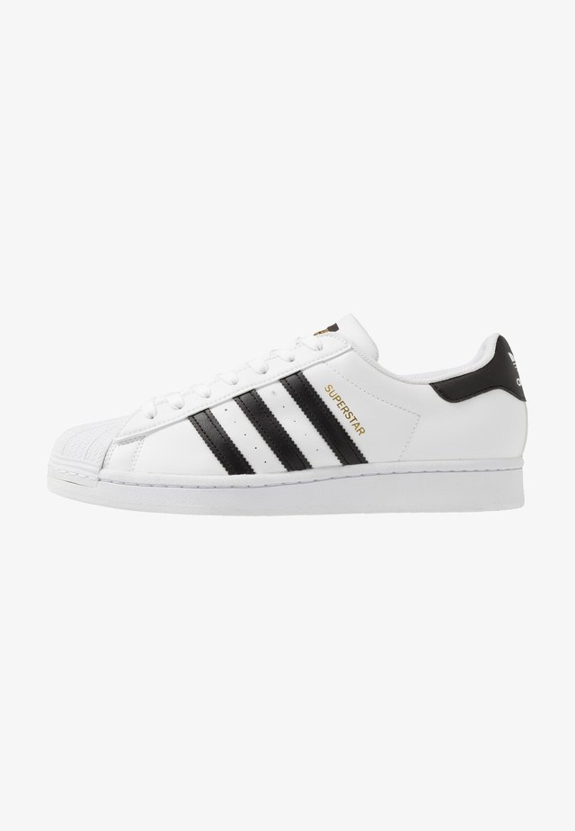 SUPERSTAR VEGAN - Trainers - footwear white/core black/green