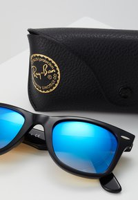 Ray-Ban - WAYFARER - Sunglasses - black - 3