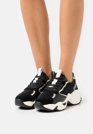 CHUNKY - Trainers - black