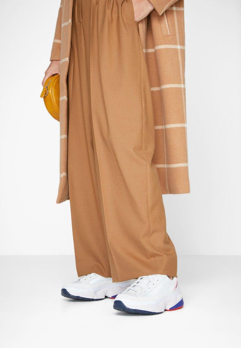 adidas Originals - KIELLOR  - Tenisky - crystal white/orchid tint