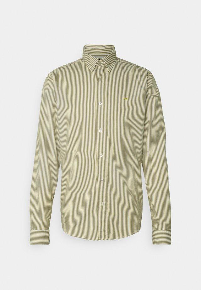 REGULAR FIT STRIPED OXFORD - Overhemd - beige