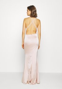 Nly by Nelly - RITZY FRINGE GOWN - Gallakjole - champagne - 2