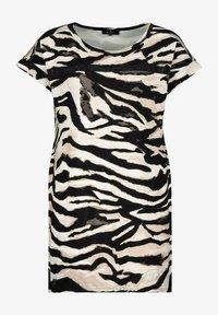 Monari - MIT ALLOVER PRINT IM ZEBRA LOOK - Print T-shirt - black - 0