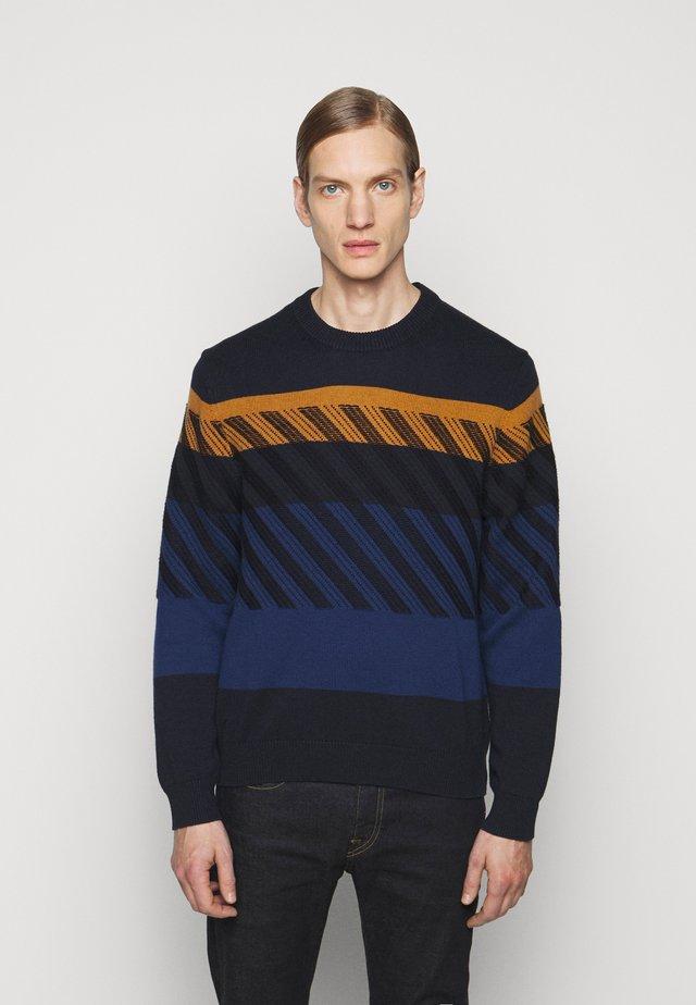 MENS CREW NECK - Trui - dark blue/orange