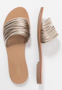 ONLY SHOES - ONLMELLY STRING SLIP ON  - Mules - gold - 3