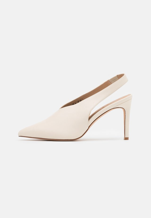 SEAM DETAILED SLINGBACK  - Decolleté - natural