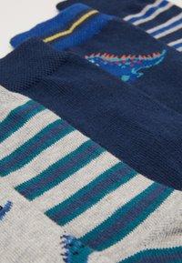 Ewers - KIDS SOCKS DINO STRIPES 6 PACK - Socks - navy/silber melange - 1