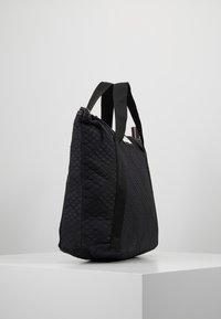 DAY Birger et Mikkelsen - GWENETH TOPAZ CROSS - Shoppingveske - black - 3
