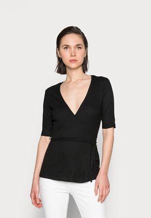 NORMA WRAP - Camiseta estampada - black