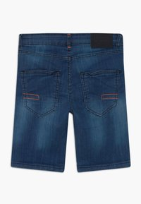 Staccato - BERMUDAS TEENAGER - Shorts di jeans - blue denim - 1