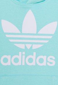 adidas Originals - TREFOIL HOODIE UNISEX - Hoodie - aqua/white - 3
