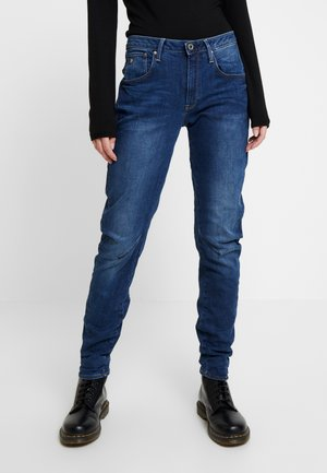 ARC 3D LOW BOYFRIEND - Jean boyfriend - neutro stretch denim