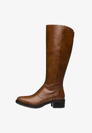 Vysoká obuv - cuoio