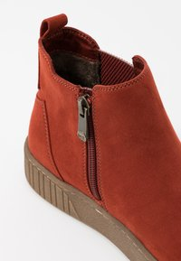 Marco Tozzi - Ankelboots - brick - 2