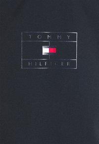 Tommy Hilfiger - STAND COLLAR JACKET - Vodotěsná bunda - desert sky - 7