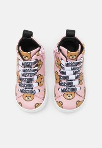 MOSCHINO - High-top trainers - light pink - 3