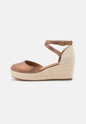 COMFORT - Zapatos de plataforma - bronze