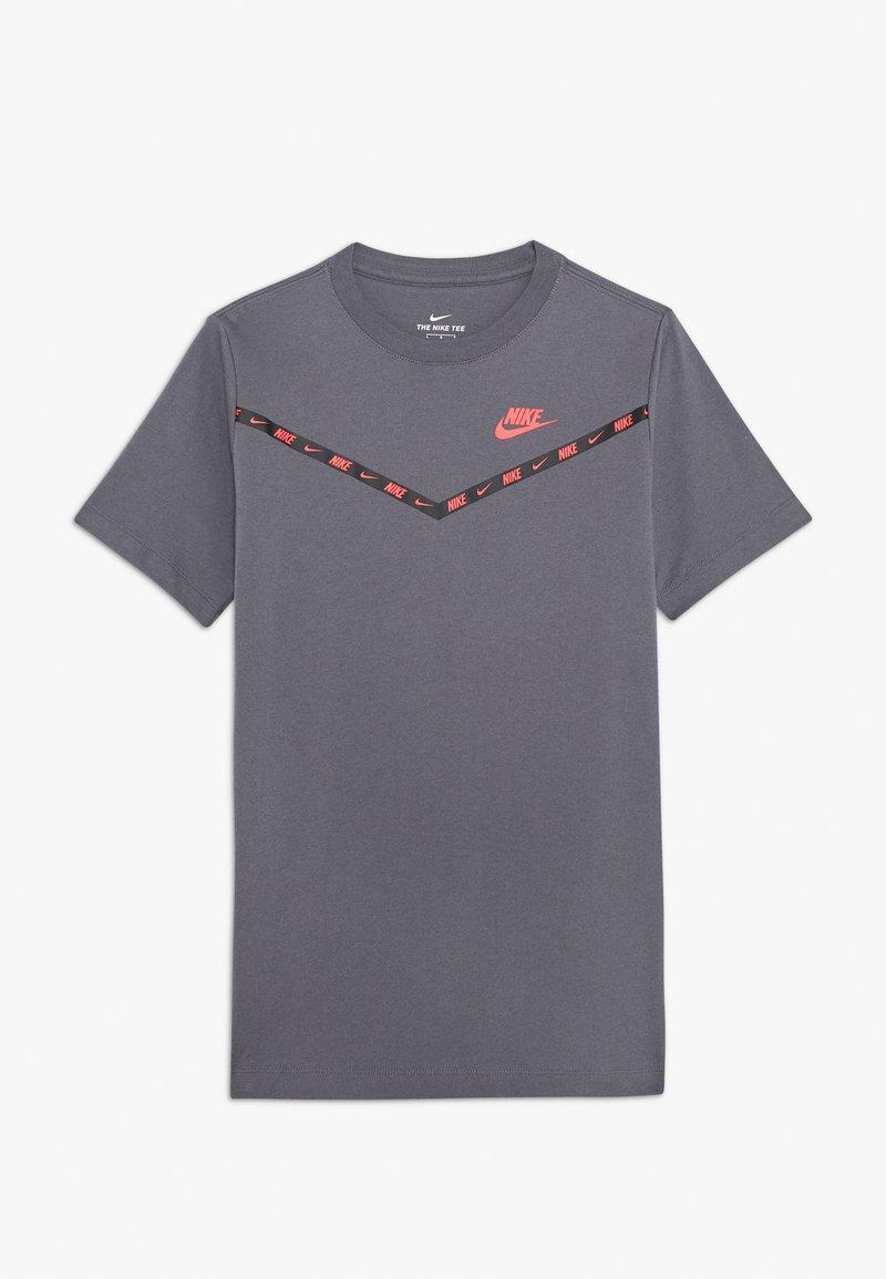 Nike Sportswear - CHEVRON - Print T-shirt - dark grey