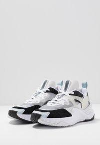 Puma - RISE - Sneakers - black/white - 4