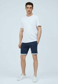 Pepe Jeans - JAMES - Denim shorts - indigo blau - 1