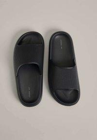 OYSHO - Pantofle - black - 3