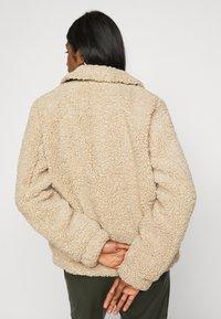 Noisy May Petite - NMGABI JACKET - Winter jacket - white pepper - 0