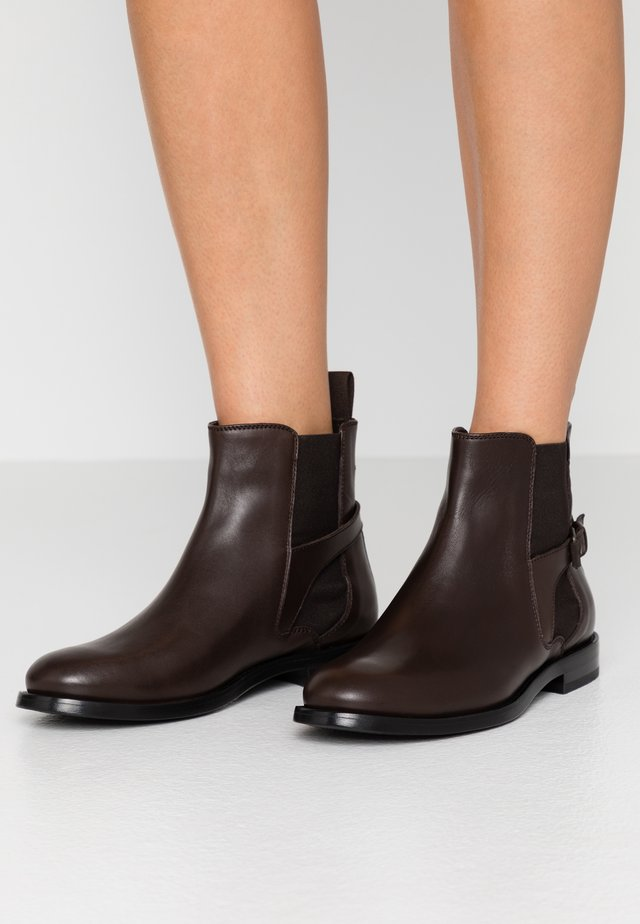 NEWINGTON CLEAN - Boots à talons - dark brown