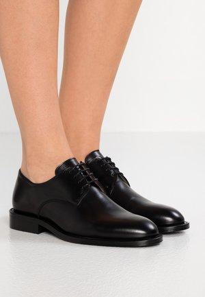 HARPER LACED SHOE - Zapatos de vestir - black