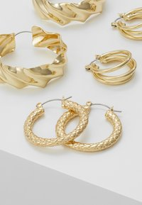 Pieces - PCMAILA HOOP EARRINGS 3 PACK - Øredobber - gold-coloured - 3