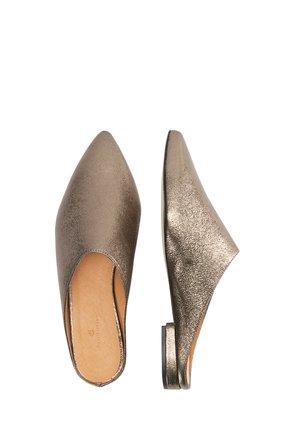 Domácí obuv - gold metallic