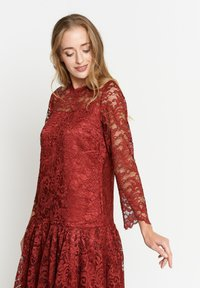 Madam-T - OTTILIANA - Cocktail dress / Party dress - weinrot - 3