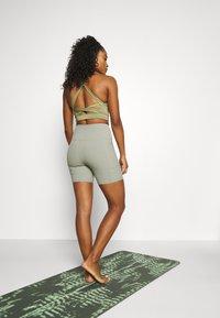 Cotton On Body - POCKET BIKE SHORT - Collant - green haze - 2