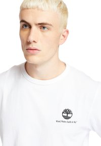 Timberland - ARCHIVE BACK WWES - Basic T-shirt - white - 4