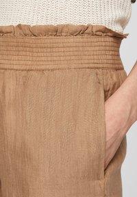 s.Oliver - Trousers - desert sand melange - 3