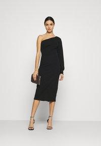 WAL G. - OLIVIA ONE SLEEVE MIDI DRESS - Shift dress - black - 1