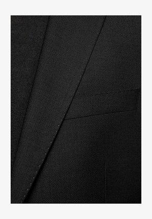 HUGE6/GENIUS5 - Costume - black