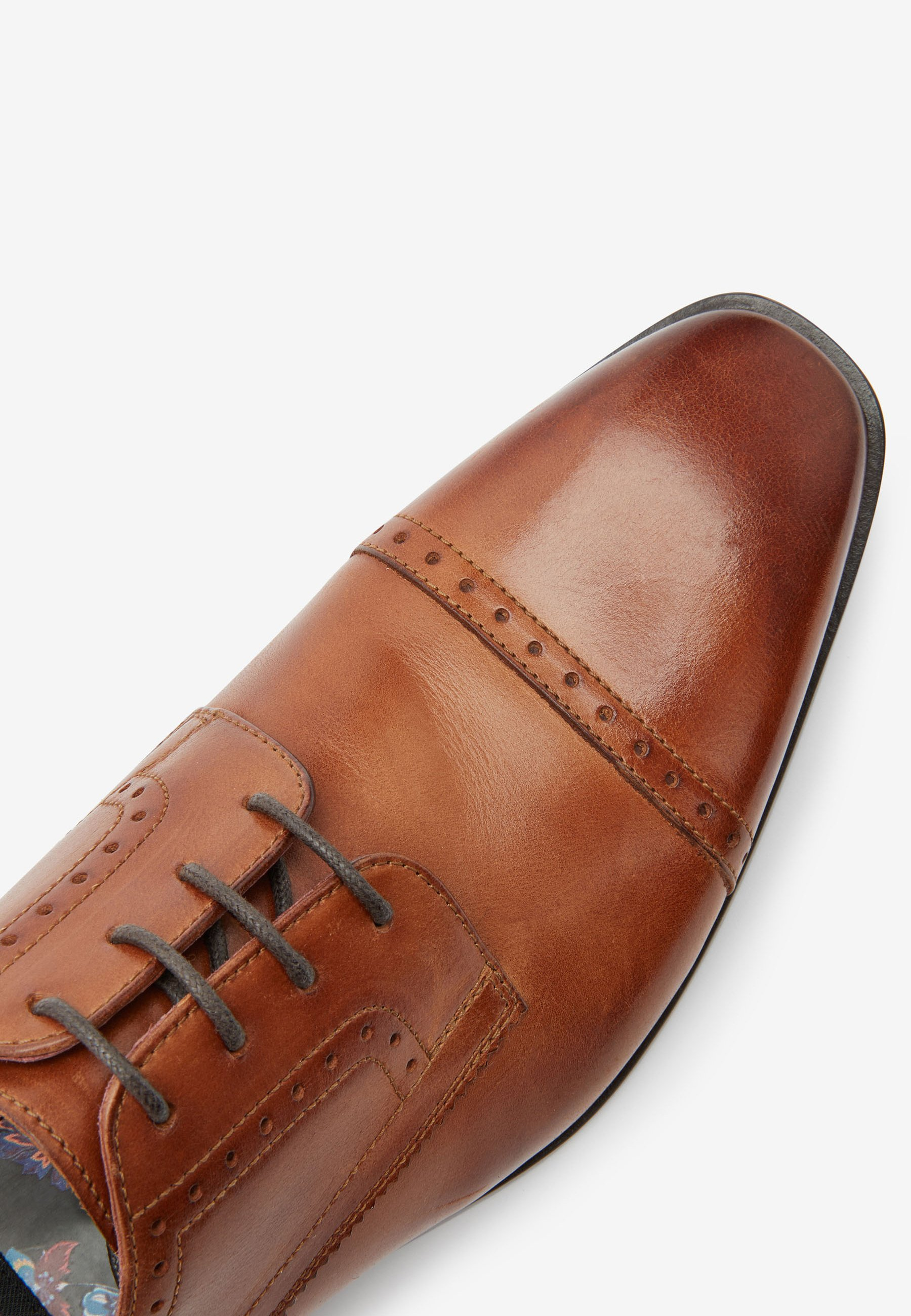 Homme LEATHER PUNCHED TOE CAP DERBY - Derbies