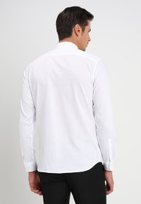 Selected Homme - SHXONETUX SLIM FIT - Shirt - bright white - 2