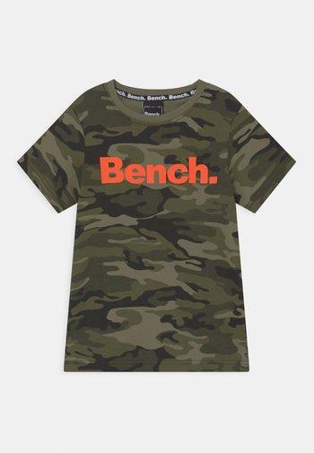 ELTON - Print T-shirt - olive