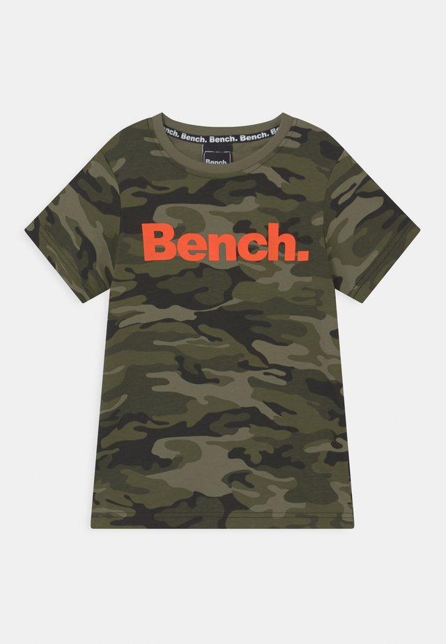 ELTON - T-shirt imprimé - olive