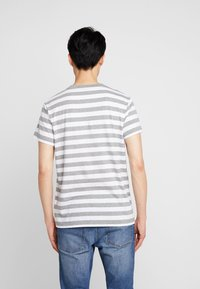 Timberland - STRIPED TEE - T-shirts print - medium grey heather - 2