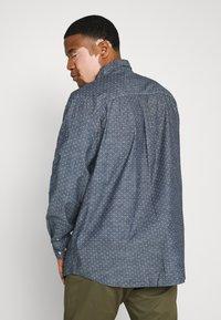 Jack & Jones - CLASSIC - Overhemd - navy blazer - 2