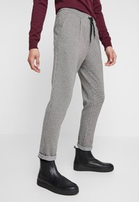 Zign - Trousers - white/black - 0