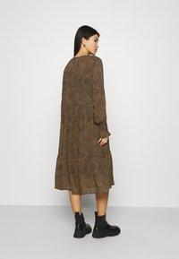 Moss Copenhagen - RIKKELIE DRESS - Day dress - brown - 2