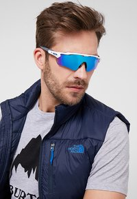 Oakley - RADAR EV PATH - Sunglasses - sapphire - 1
