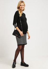 JoJo Maman Bébé - Jumper dress - black/ecru - 1