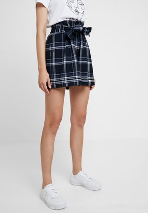 CHECK BELTED - Shorts - navy