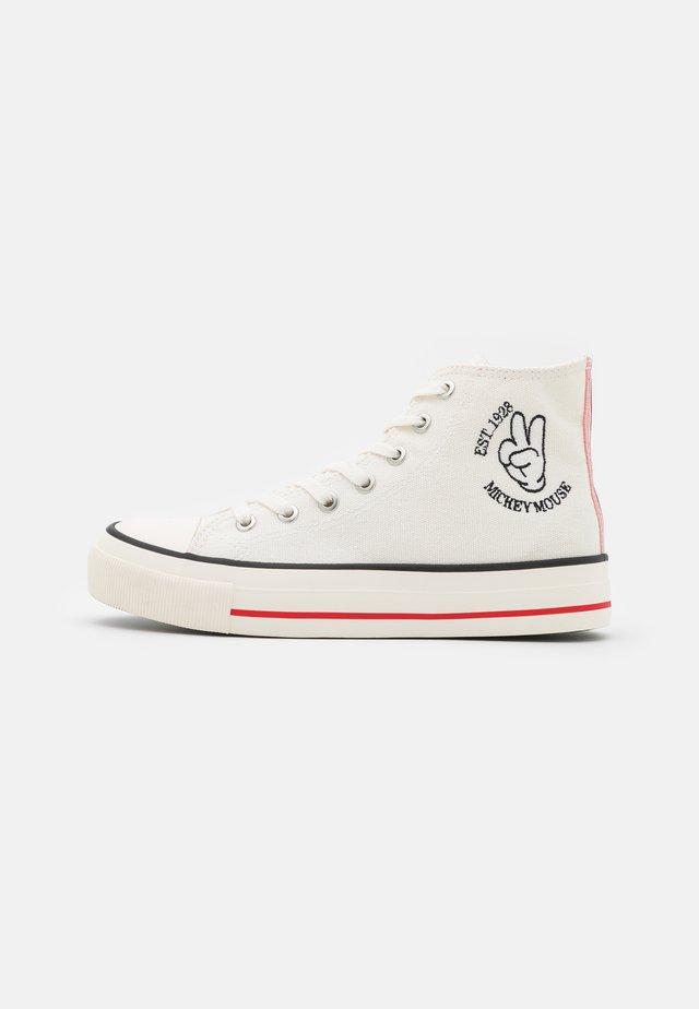 MICKEY BRITT RETRO - Sneakers hoog - offwhite