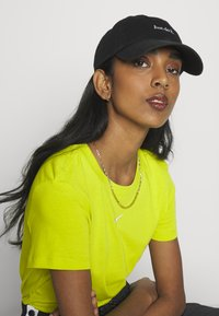Nike Sportswear - UNISEX - Caps - black/white - 4